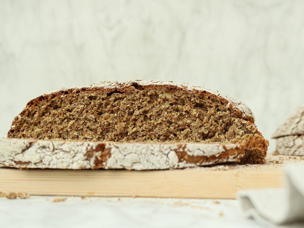 Recept om zelf volkoren Iers soda brood te maken