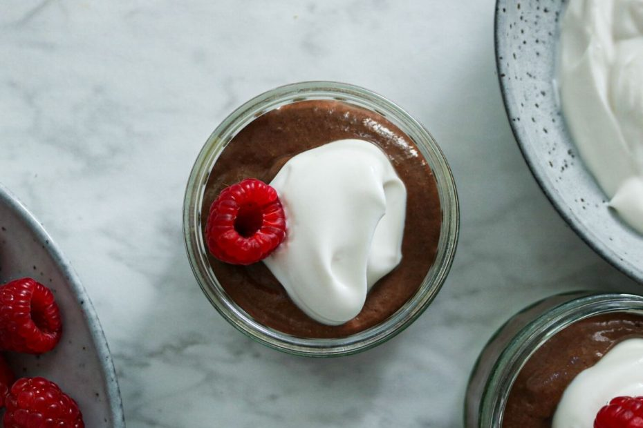 Recept voor gezonde vegan chocolademousse van chiazaad - chocolade chia pudding mousse